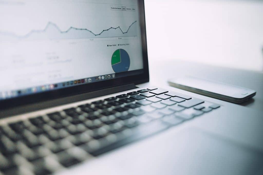 Laptop mit Analytics